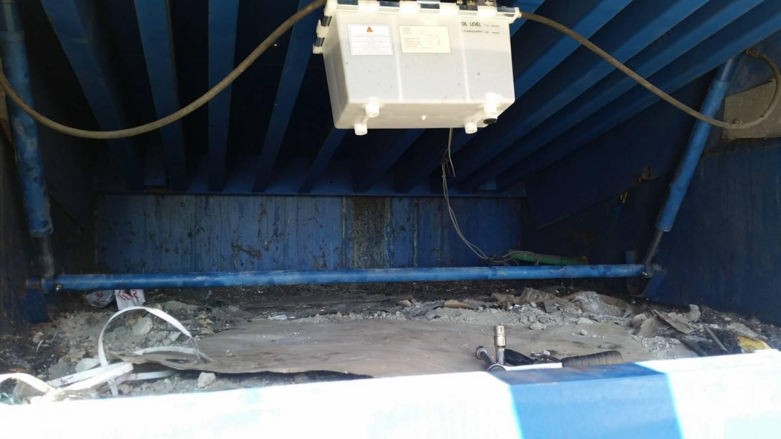 D pannage quai de chargement port saint louis du rh ne entretien de mat riel de quai de - Navy service port st louis du rhone ...
